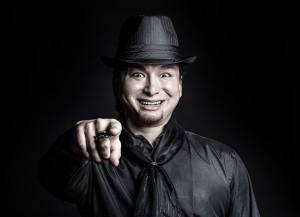 黒い帽子の男